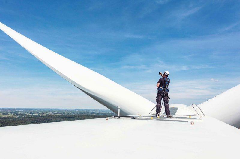 Technical expert on wind turbine